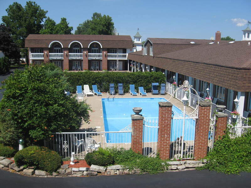 Lockport Inn & Suites Pool